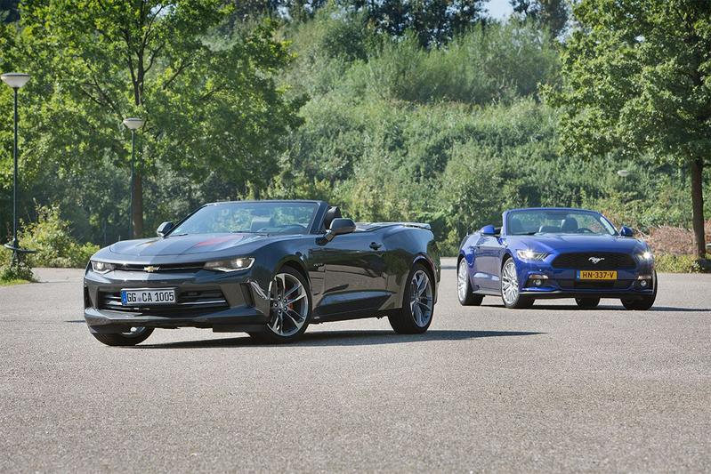 Chevrolet Camaro vs. Ford Mustang - AutoWeek Dubbeltest