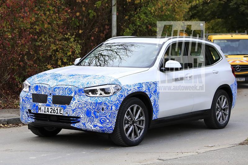 Spyshots BMW iX3