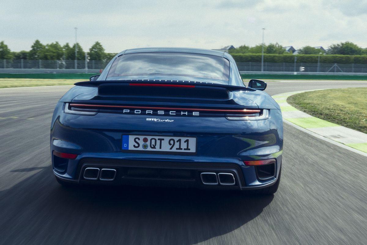 2018 - [Porsche] 911 - Page 20 Nwdyf4ubo45s