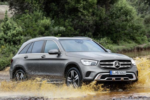 Facelift Friday: Mercedes-Benz GLC
