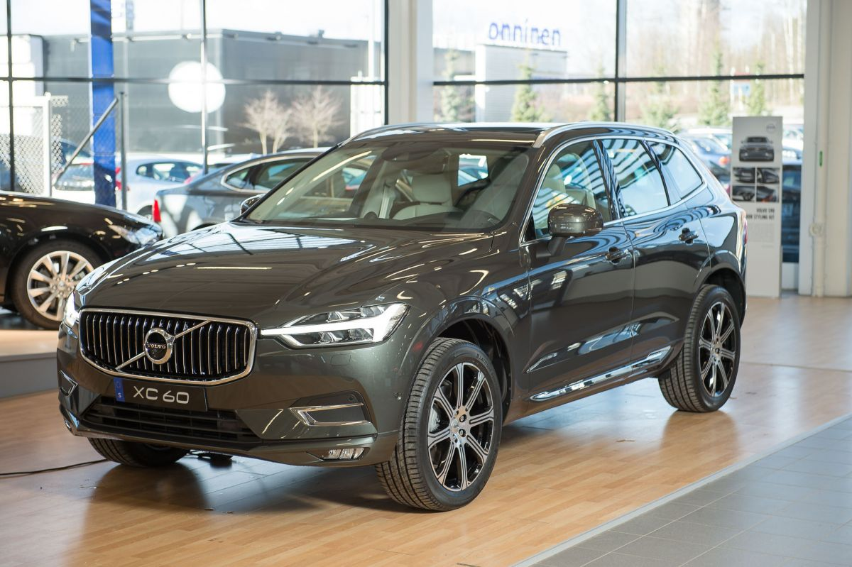 volvo xc60 t5 awd inscription 2018. Black Bedroom Furniture Sets. Home Design Ideas
