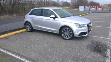Audi A1 Sportback 1.2 TFSI Attraction Pro Line (2012)