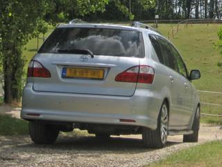 Toyota Avensis Verso 2.0 16v VVT-i Linea Sol (2004)
