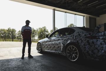 F1-coureurs Alfa Romeo testen Giulia GTA