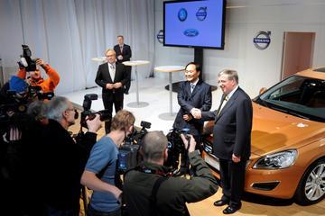 Terugblik: 'EU akkoord met Chinese overname Volvo'