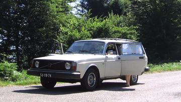 Volvo 245 Dl Automatic (1975)