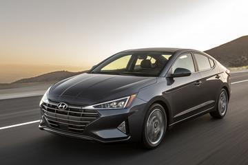 Flink onder het mes: Hyundai Elantra