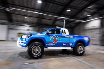 Toyota Hilux Bruiser knipoogt naar RC-auto