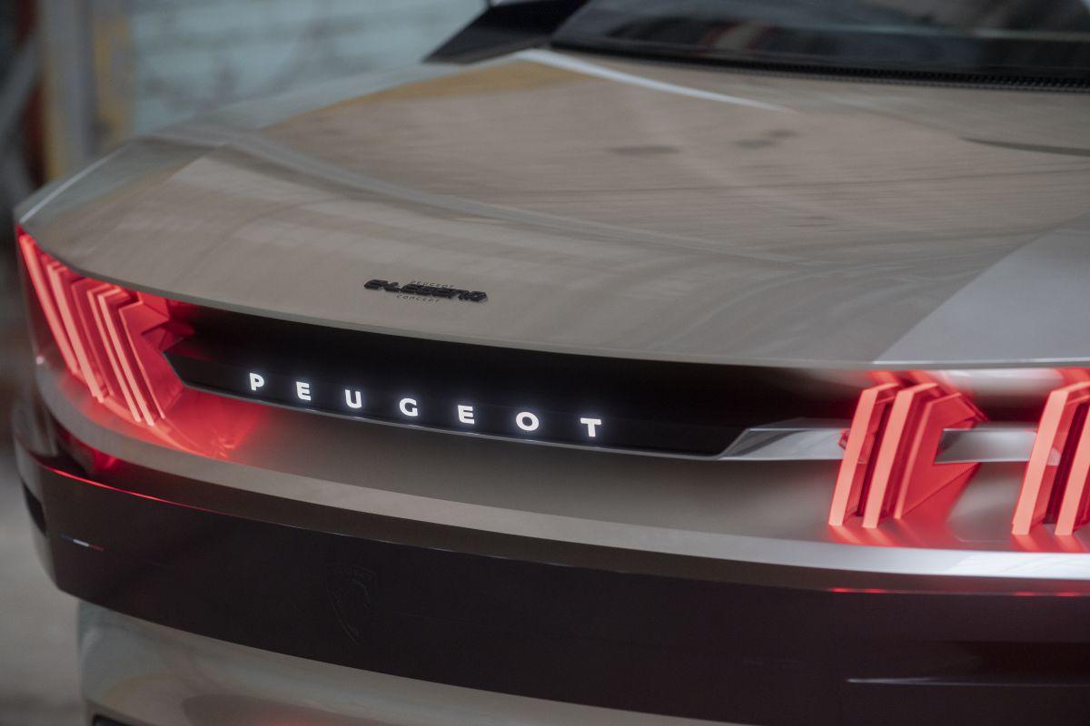 Leaked Peugeot E Legend Concept
