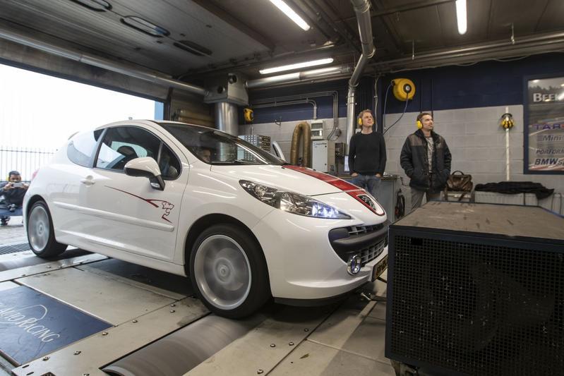 Peugeot 207 1.6 16v Le Mans - Op de Rollenbank