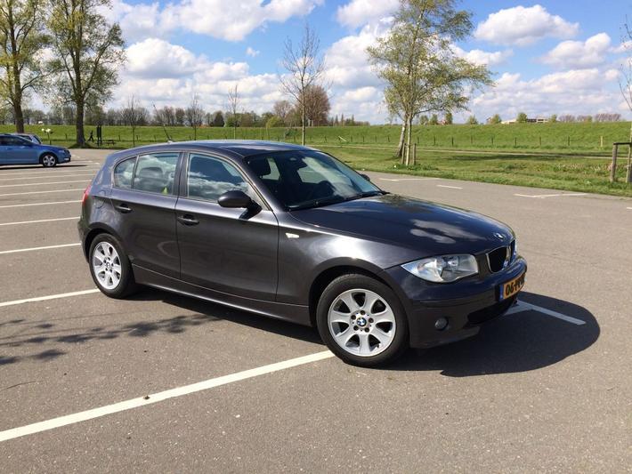 BMW 120i (2005)