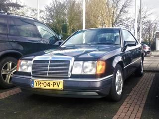 Mercedes-Benz 300 CE (1990)