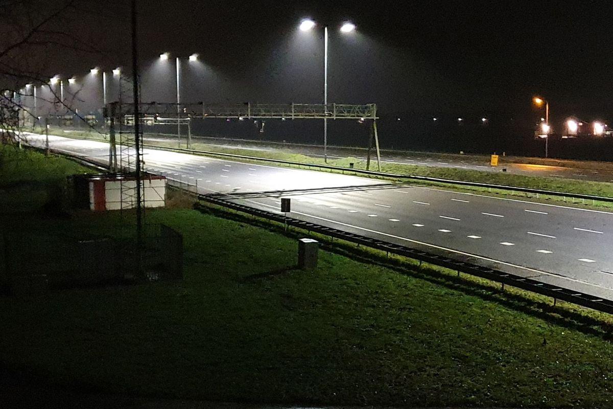 Avondklok rustig snelweg A12