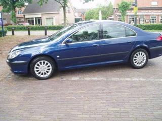 Peugeot 607 2.2 HDI Pack (2001)