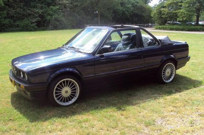BMW 320i Cabrio (1990)