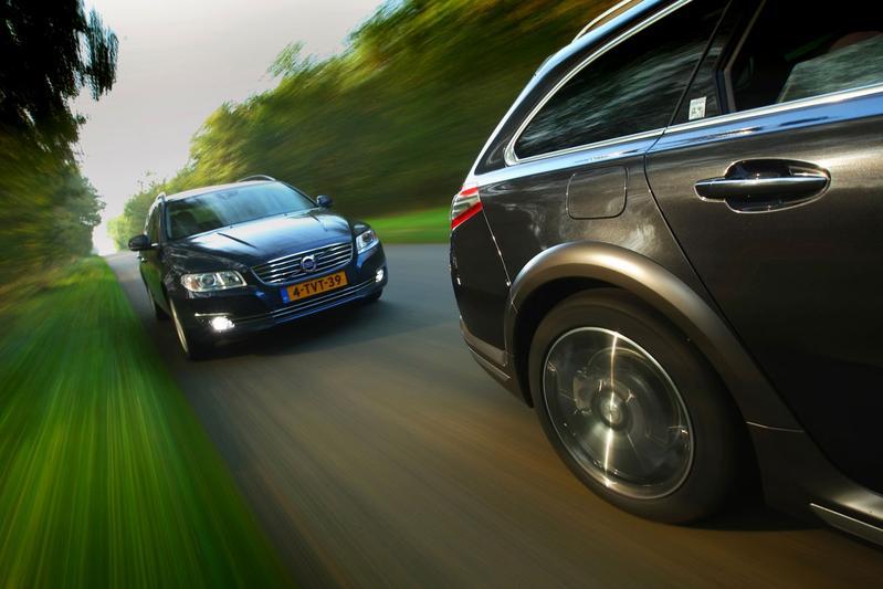 Peugeot 508 RXH HY4 - Volvo V70 D2