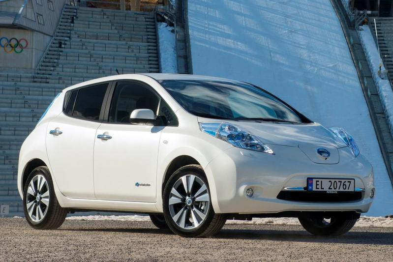 nissan leaf 24kwh visia 2015. Black Bedroom Furniture Sets. Home Design Ideas
