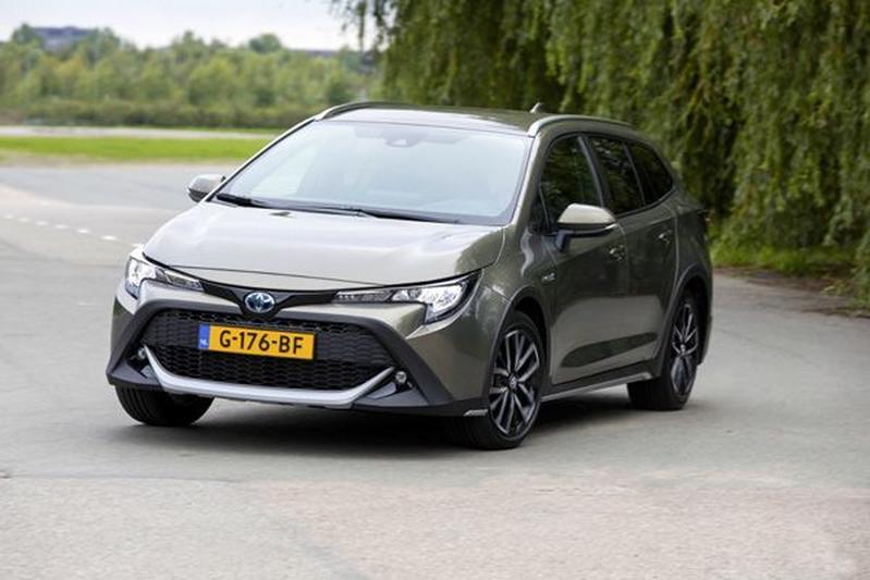Toyota Corolla 2.0 Hybrid Trek - Eerste Rijtest