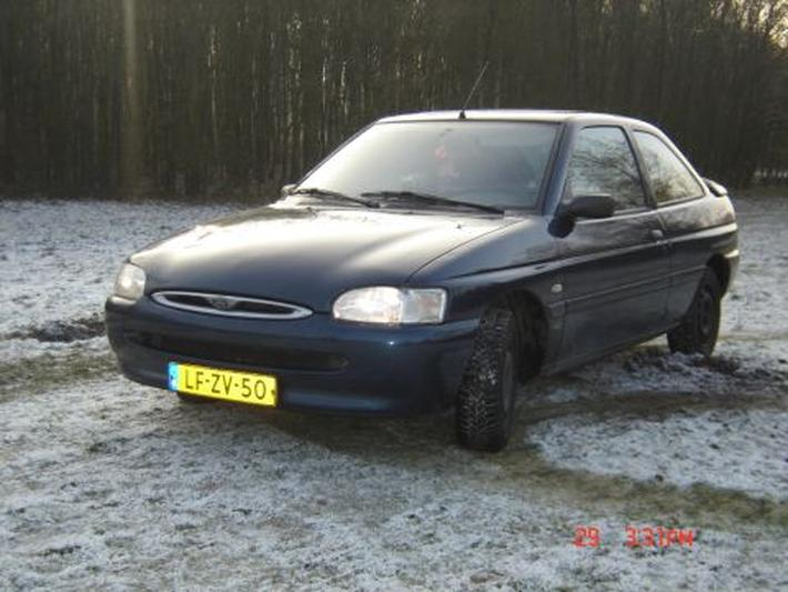 Ford Escort 1.8 D CLX (1995)