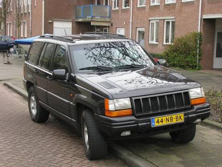 Jeep Grand Cherokee 5.9i V8 LX (1998)