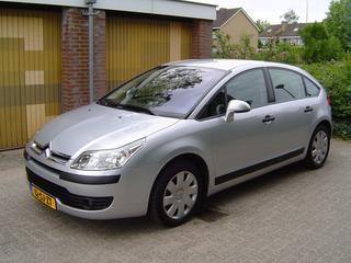 Citroën C4 1.4 16V Ligne Prestige (2006)