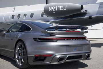 Porsche matcht 911 Turbo S 'Duet' met privéjet