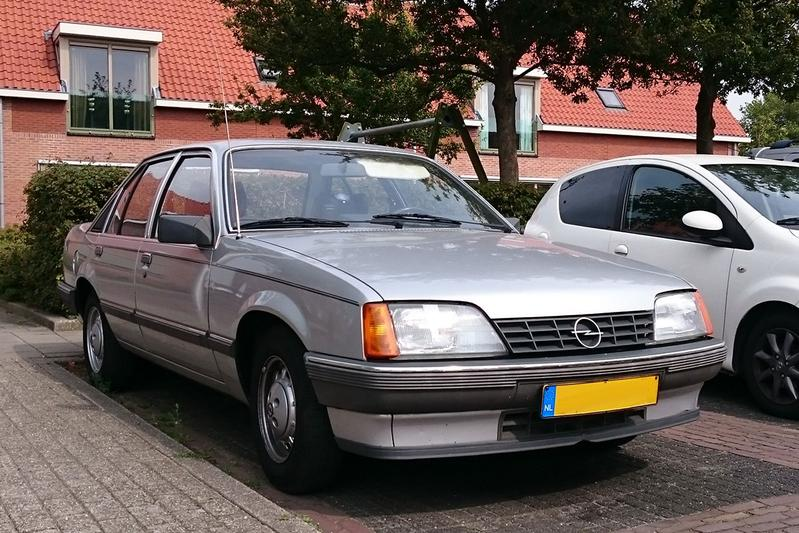 In het wild: Opel Rekord 1.8N