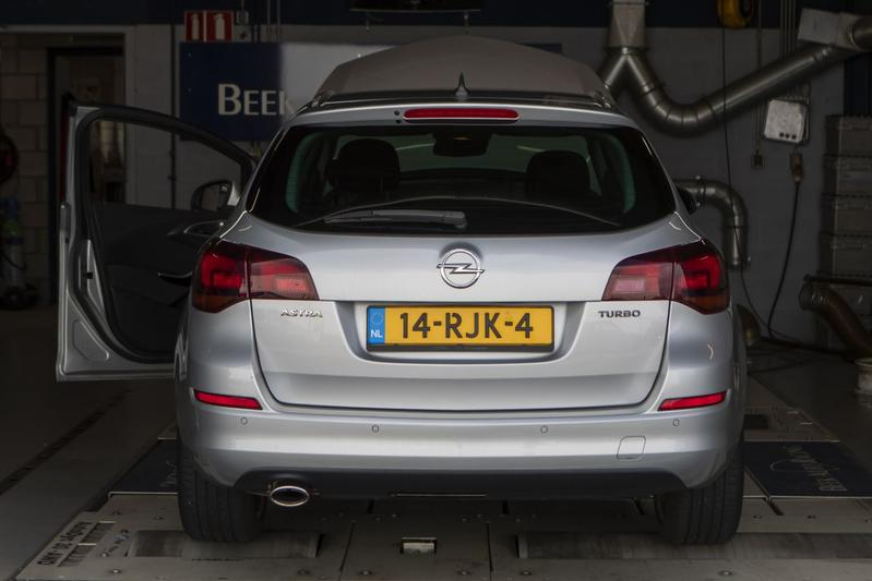 Opel Astra Sports Tourer 1.6 Turbo Sport - Op de Rollenbank