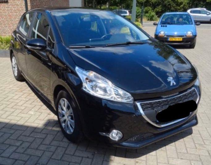 Peugeot 208 Envy 1.2 PureTech 82 (2013)