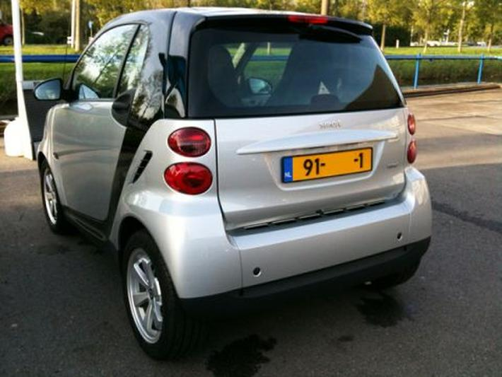 Smart fortwo coupé mhd edition pure (2012)