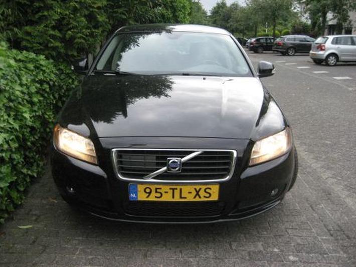 Volvo S80 2.4D Momentum (2006)