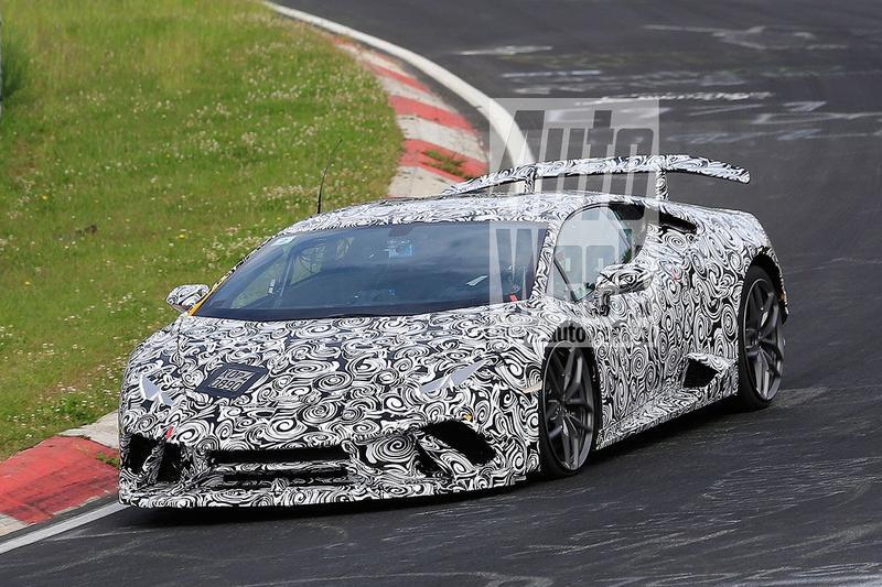 Lamborghini Huracán Superleggera strekt de benen