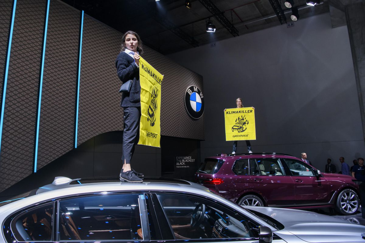 greenpeace co2 iaa frankfurt klimaat milieu activist