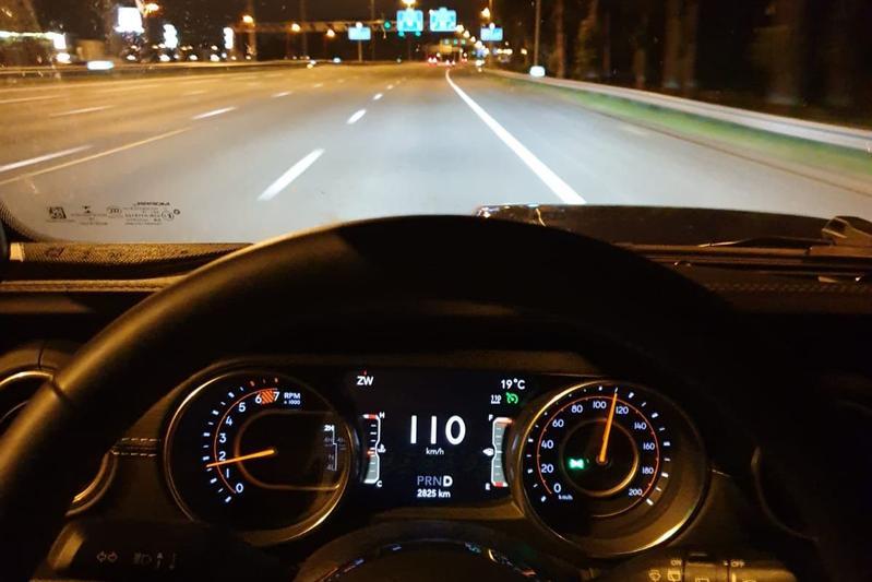 snelheidsmeter snelheid 110 rijden snelweg