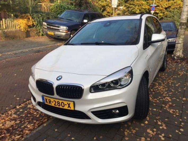 BMW 225xe iPerformance Active Tourer (2016) #2
