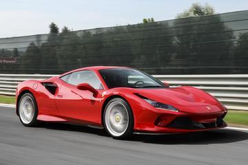 Ferrari verkoopt historische hoeveelheid auto's
