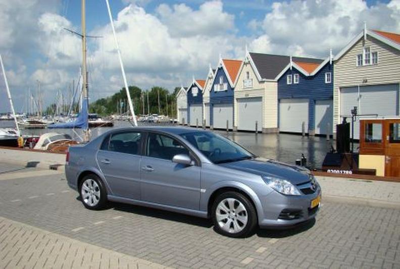 Opel Vectra 2.2-16V DGi Temptation Excellence (2008)