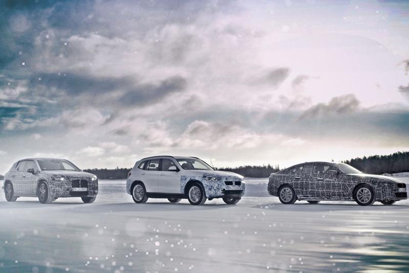 BMW i4 iNext iX3