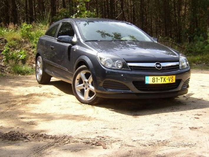 Opel Astra GTC 1.8 Edition (2006)