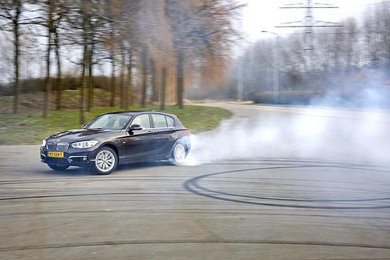 BMW 120iA