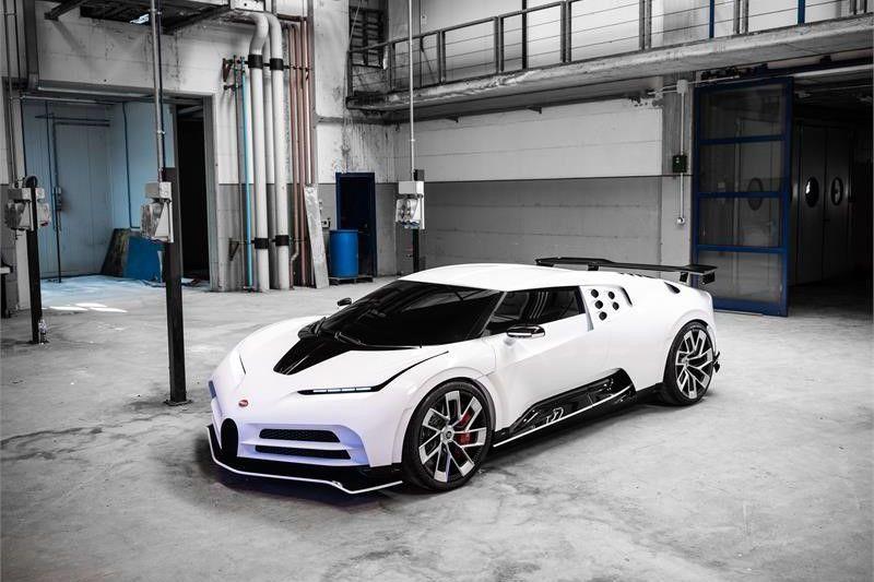 Bugatti Centodieci gelekt