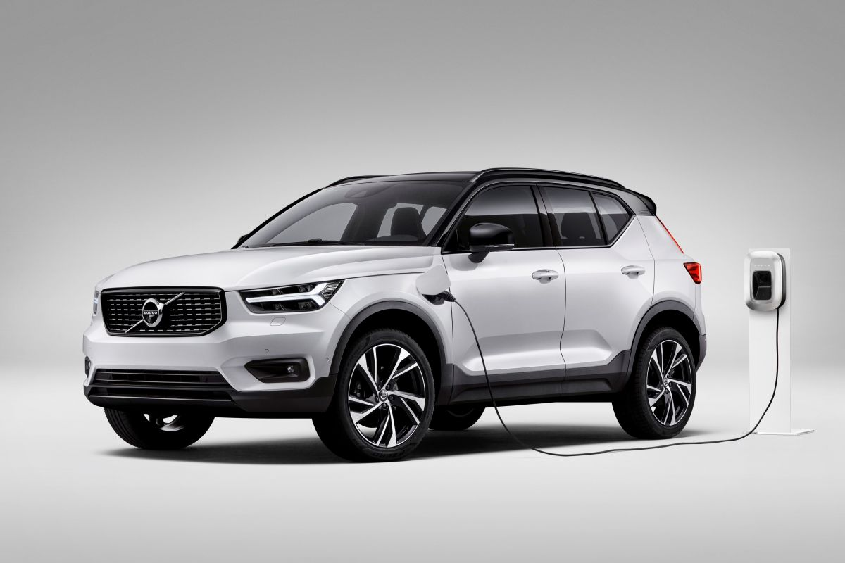 volvo toont plug in hybride xc40 t5 autonieuws. Black Bedroom Furniture Sets. Home Design Ideas
