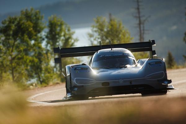 Volkswagen jaagt met ID R op ronderecord Nürburgring