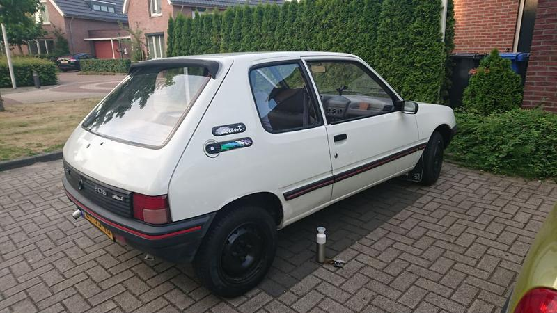 Peugeot 205 XE/Accent 1.1i (1991)