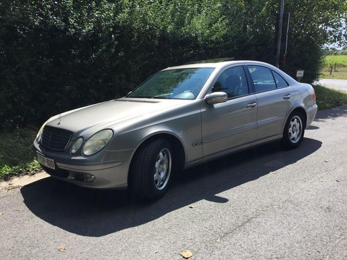 Mercedes-Benz E 200 CDI Classic (2004)