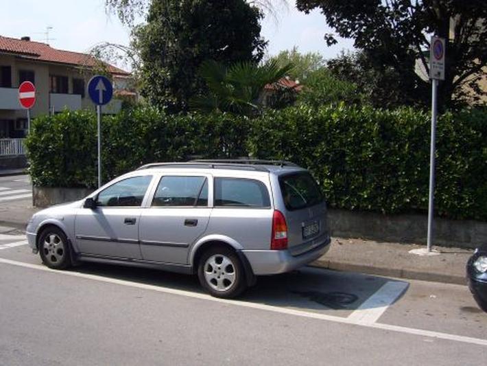 Opel Astra Stationwagon 1.6i-16V CDX (2000)