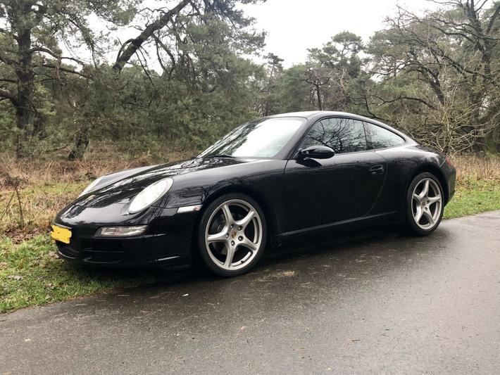 Porsche 911 Carrera Coupé (2004)