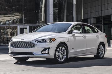 'Ford overweegt opgehoogde 'Mondeo' voor VS'