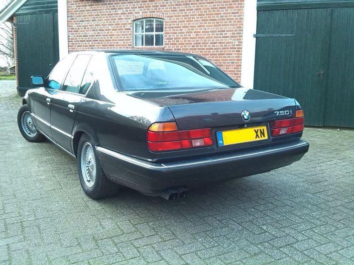 BMW 750i (1990)