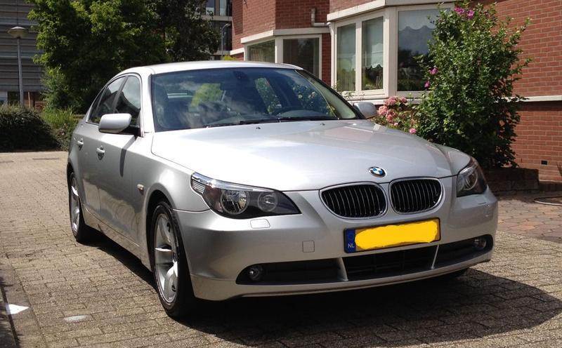 BMW 523i (2006)
